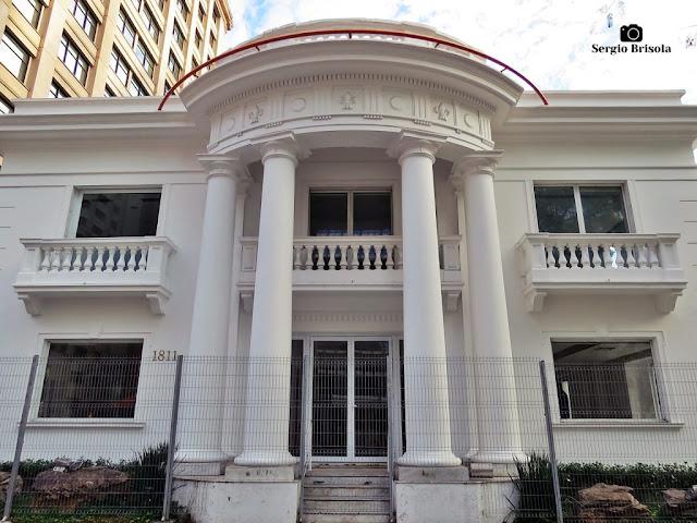 Vista da fachada da Mansão de Rocha Azevedo - Bela Vista - São Paulo