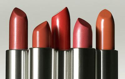 Pilihan Warna Lipstick Terbaik Buat Kamu Pemilik Bibir Gelap