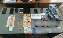 Από την Υποδιεύθυνση Ασφαλείας Πειραιά της Διεύθυνσης Ασφάλειας Αττικής εξαρθρώθηκε εγκληματική οργάνωση που διέπραττε συστηματικά διακεκριμ...