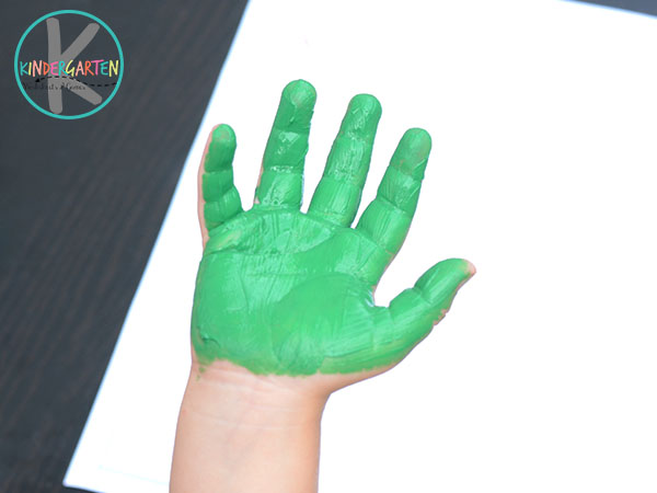 paint your hand green