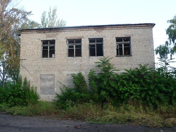 Авдіївка. Зруйновані виробничі будівлі