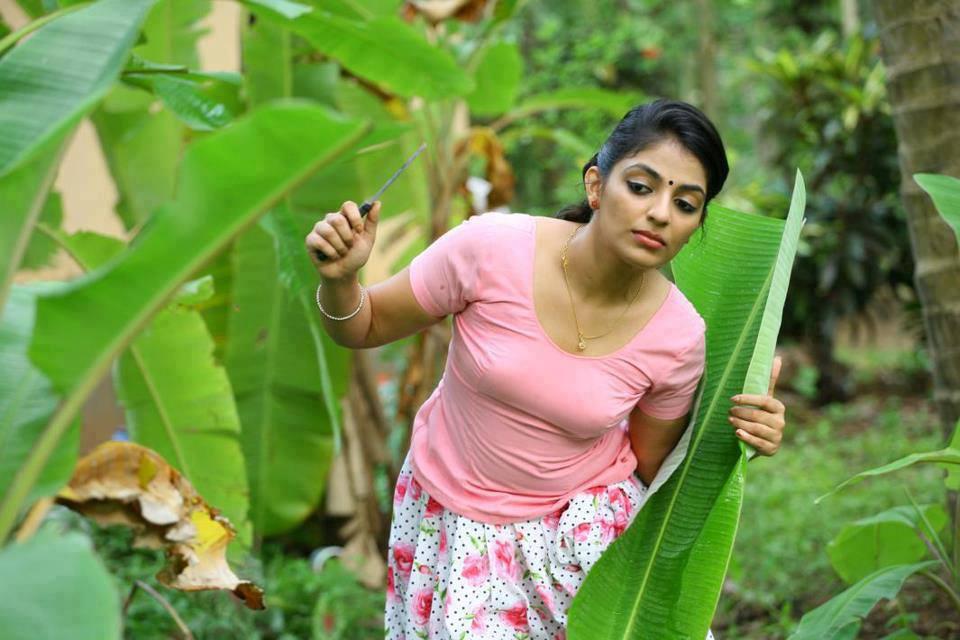Pengalpundai Mulai: Tamil Kaama Kathaigal: Avarai Ninaichaalee Pundai Kasiyuthu
