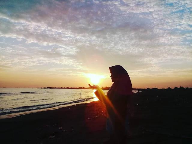 sunset di pantai tirang semarang