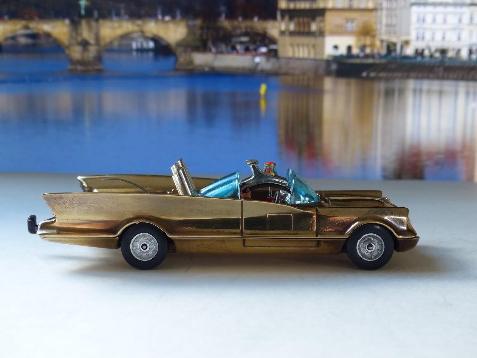 I LOVE CORGI TOYS: The Wilford Collection Pt 6: a gold Batmobile