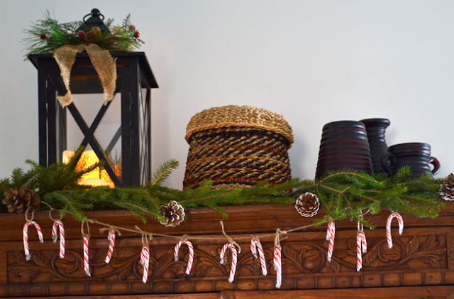 An easy diy mini Christmas garland with candy canes.