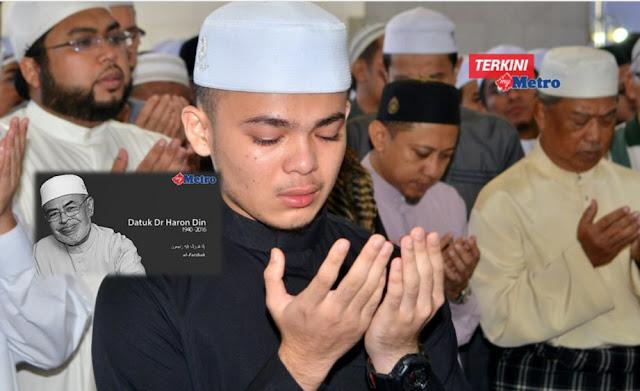 5 Gambar Cucu Allahyarham Dato Haron Din Tidak Dapat Menahan Kesedihan Semasa Solat Jenazah Ghaib..!!