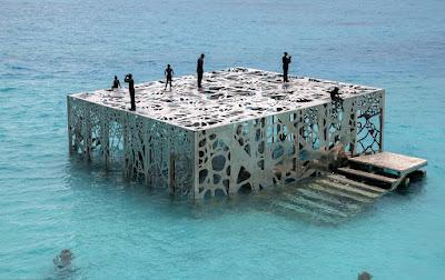 Bảo tàng The Coralarium nhô lên mặt nước khoảng 3 mét
