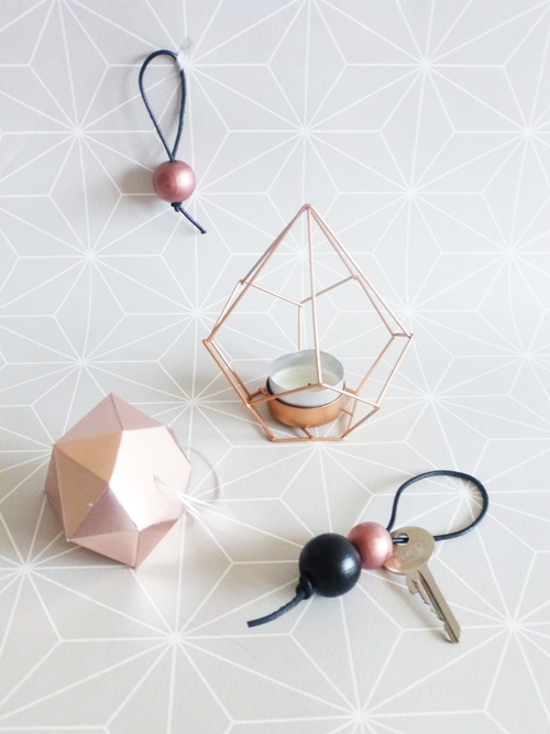 DIY Schlüsselanhänger aus Holzkugeln schwarz kupfer