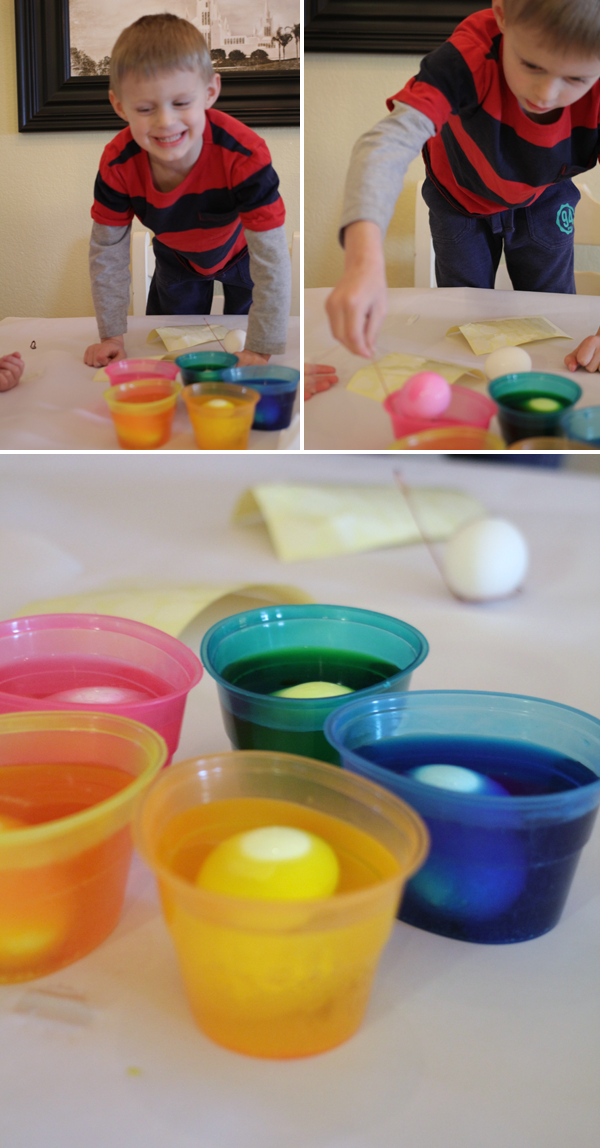 The Easiest Way to Dye Easter Eggs with Toddlers! #PAASEaster