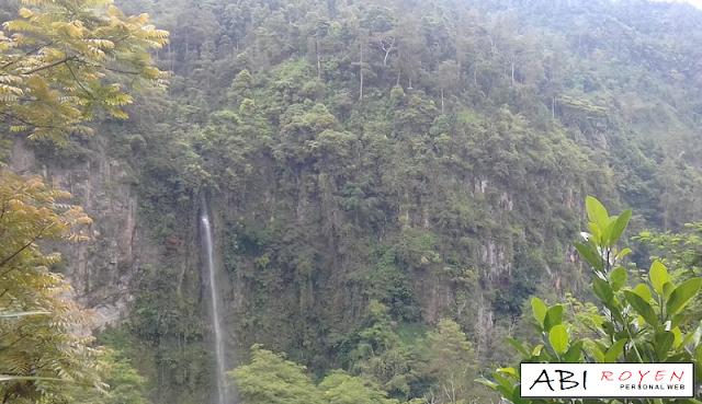 Destinasi Wisata Terbaik di Kota Semarang Air Terjun Kali Pancur