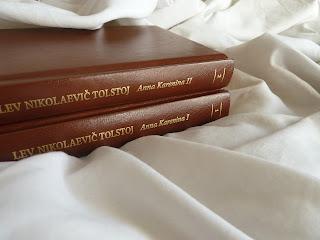 Anna karenina lev tolstoj recensione no spoiler felice con un libro