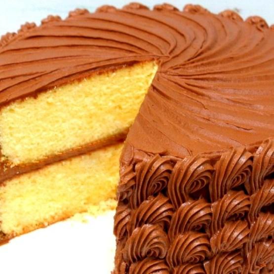 YELLOW CAKE {A SCRATCH RECIPE} #cake #homemade