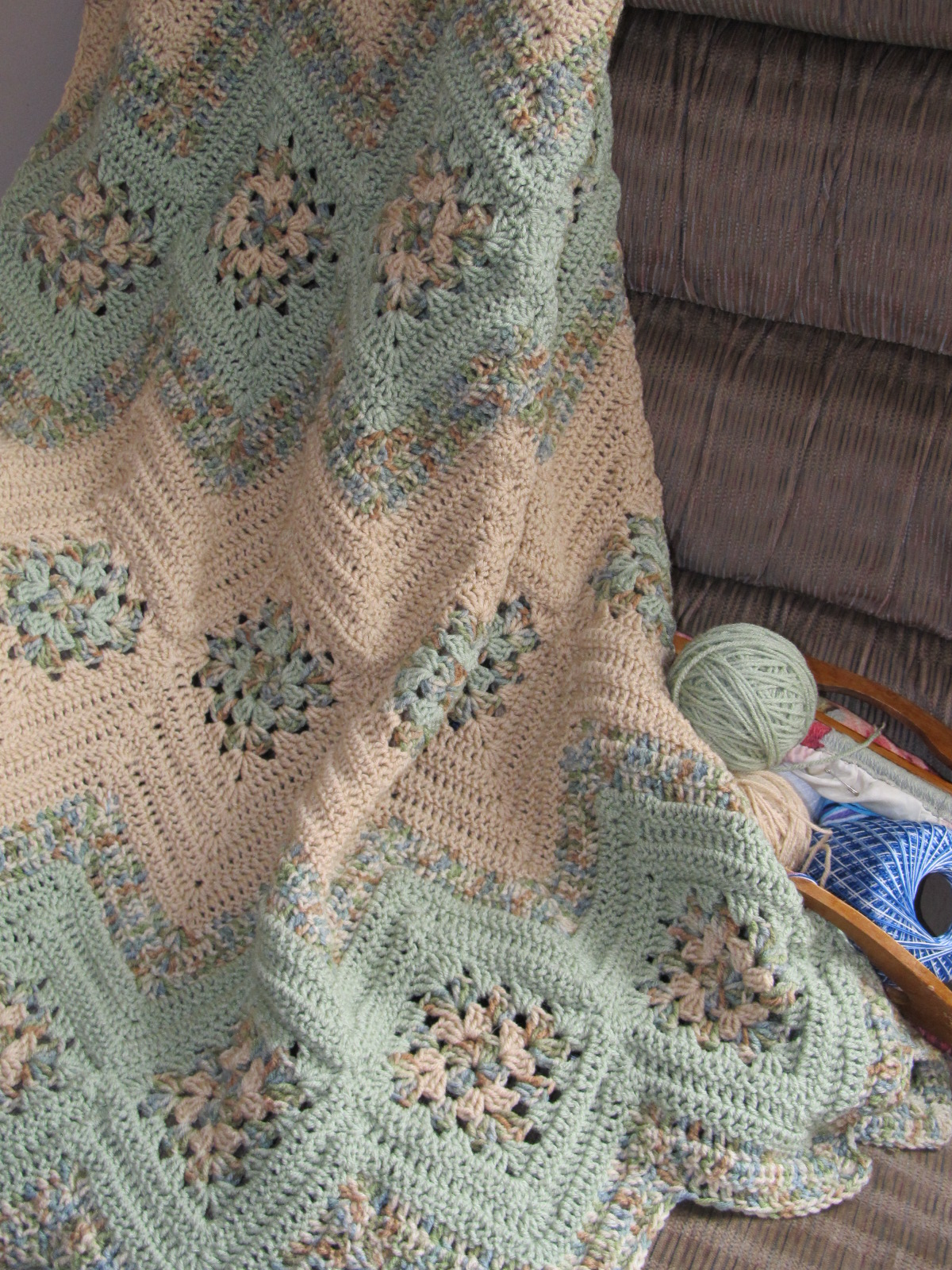Knitted Chevron Baby Blanket