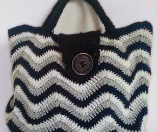 http://www.lanasyovillos.com/accesorios/bolso-zigzag