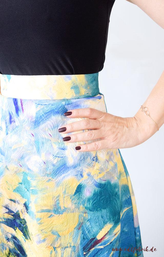 Gelb richtig stylen. die Edelfabrik, Look, gelb, blau,  Midirock von H&M