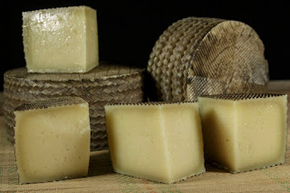 Manchego Cheese : Interesting Facts and Pairing Ideas