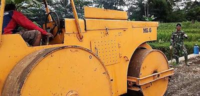 Besi Raksasa Berbobot 6 Ton Sang Pelancar Pembangunan Jalan TMMD
