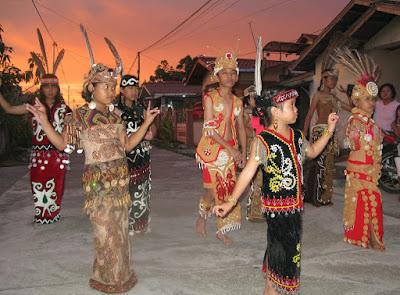 Tari Joggan Kalimantan | Wisata Seni & Budaya Kalimantan