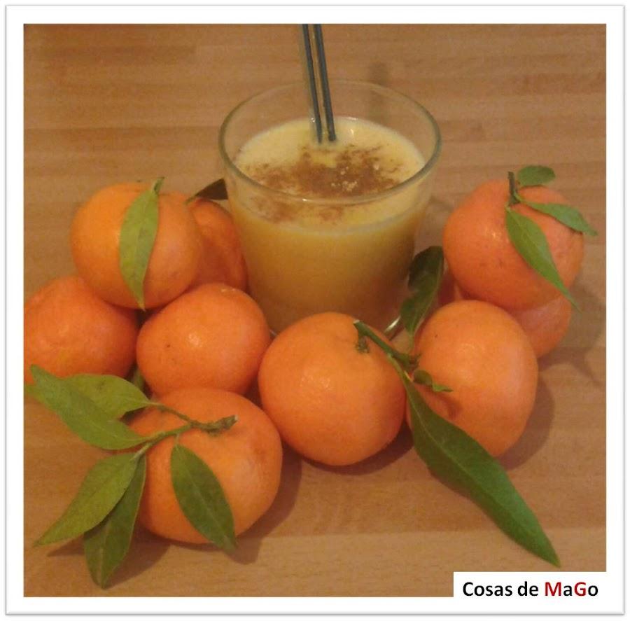 Batido de té verde con mandarina, almendras, sésamo, jengibre y canela