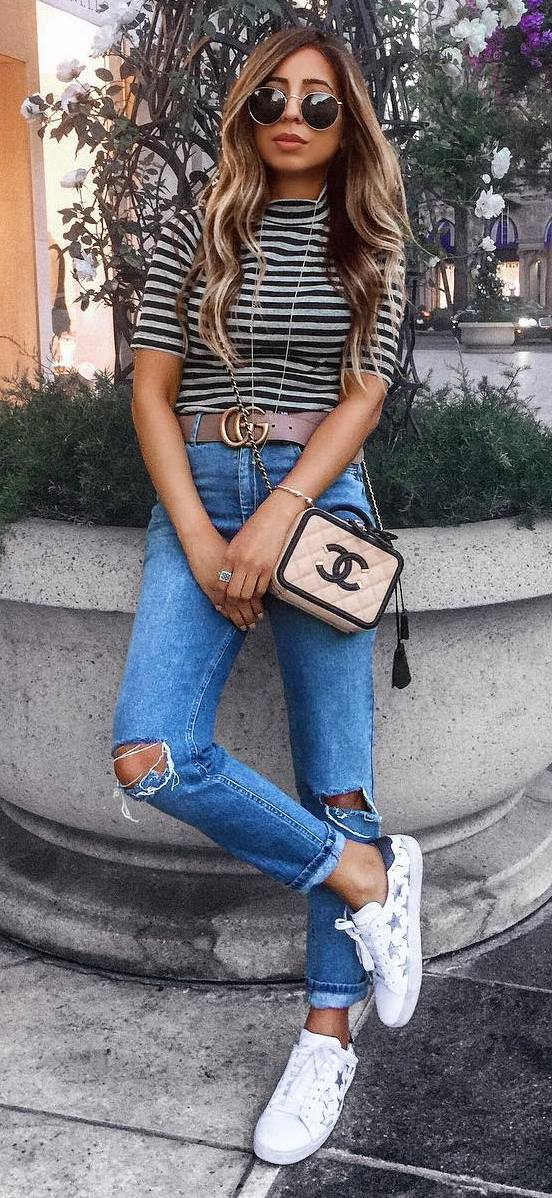 cute summer ootd: top + ripped jeans + bag