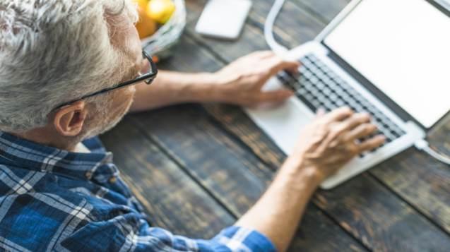 Recebimento do PIS pelo aposentado que trabalha