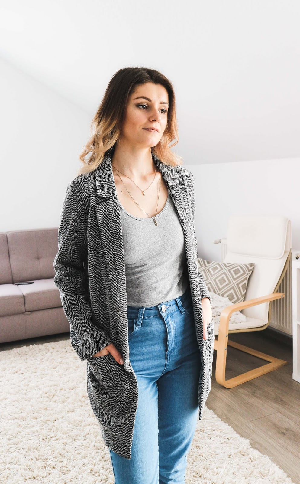 grey blazer with jeans outfit