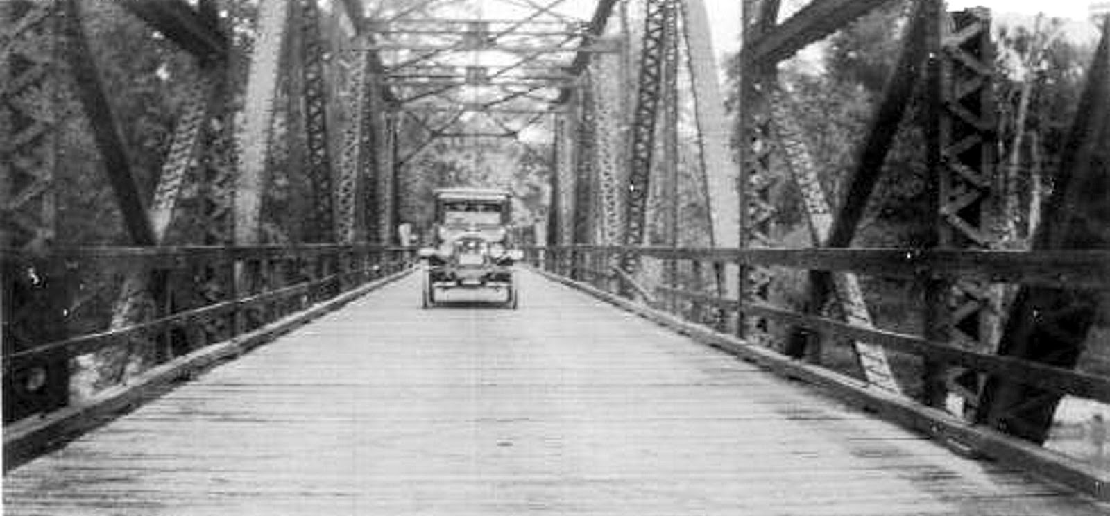 bridge over the pearl river leading into mississippi year 1926 image from the bay st louis facebook page