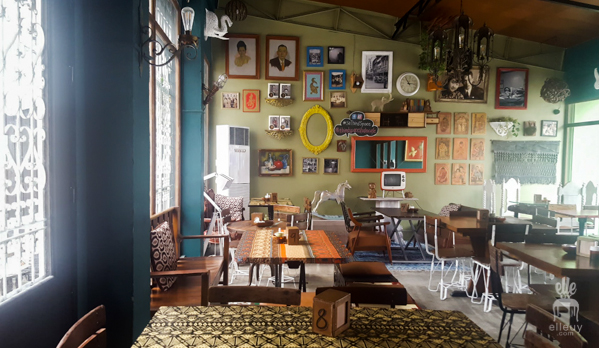 Third Space Studio Cafe, vintage cafe, eclectic diner, interior