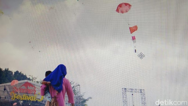 Viral! Bendera Cina di Atas Merah Putih pada Acara HUT Kulon Progo