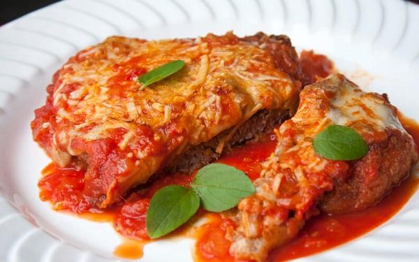 Receita de filés de carne moída à parmegiana (Imagem: Reprodução/Coluna Ítalo)
