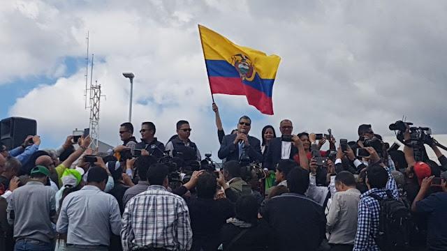 Rafael Correa antes de su partida a Bélgica: Cuiden al país, cuiden la Revolución