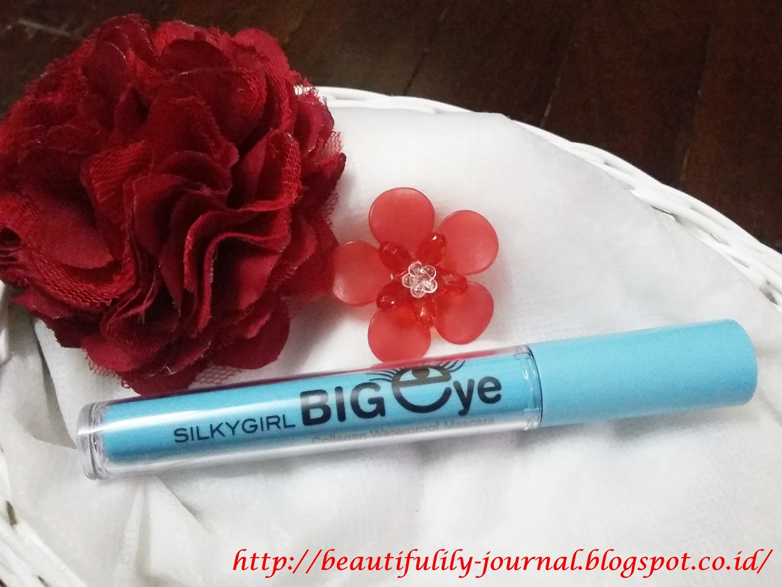 Beautifulily Journal Februari 2016 Silkygirl Eye Opener Waterproof Mascara 01 Black Big Collagen Darkest