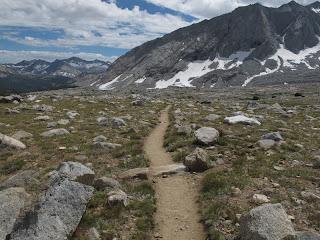 Am John Muir Trail; doch anstatt jede Menge Wanderer...