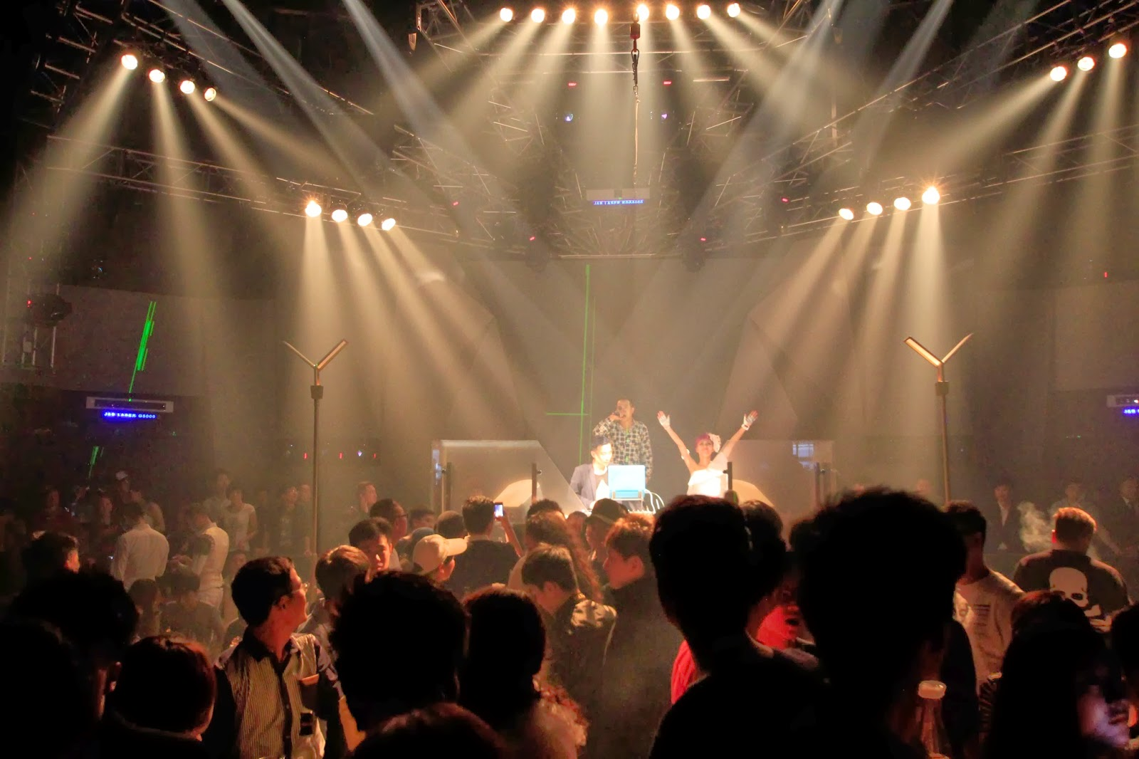 Anmingli Stage Lighting Manufacturer Co Ltd 十月 2017