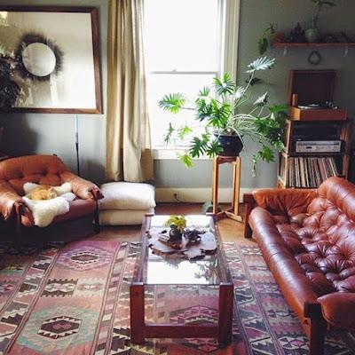 http://www.orientaldesignerrugs.com/oushak-and-ushak-rugs.aspx