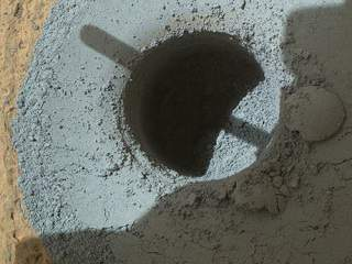 mars dust is blue