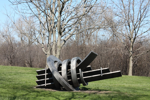 Metamorphasis by Ray Katz at Chicago sculpture park
