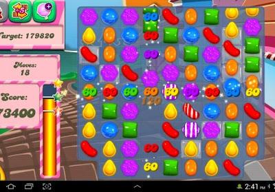 Combina los caramelos en Candy Crush Saga