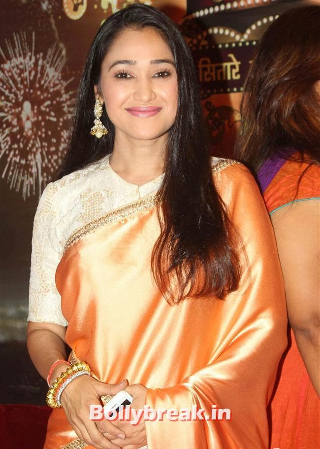 Disha Vakani, ITA Awards 2013 - Red Carpet Pics