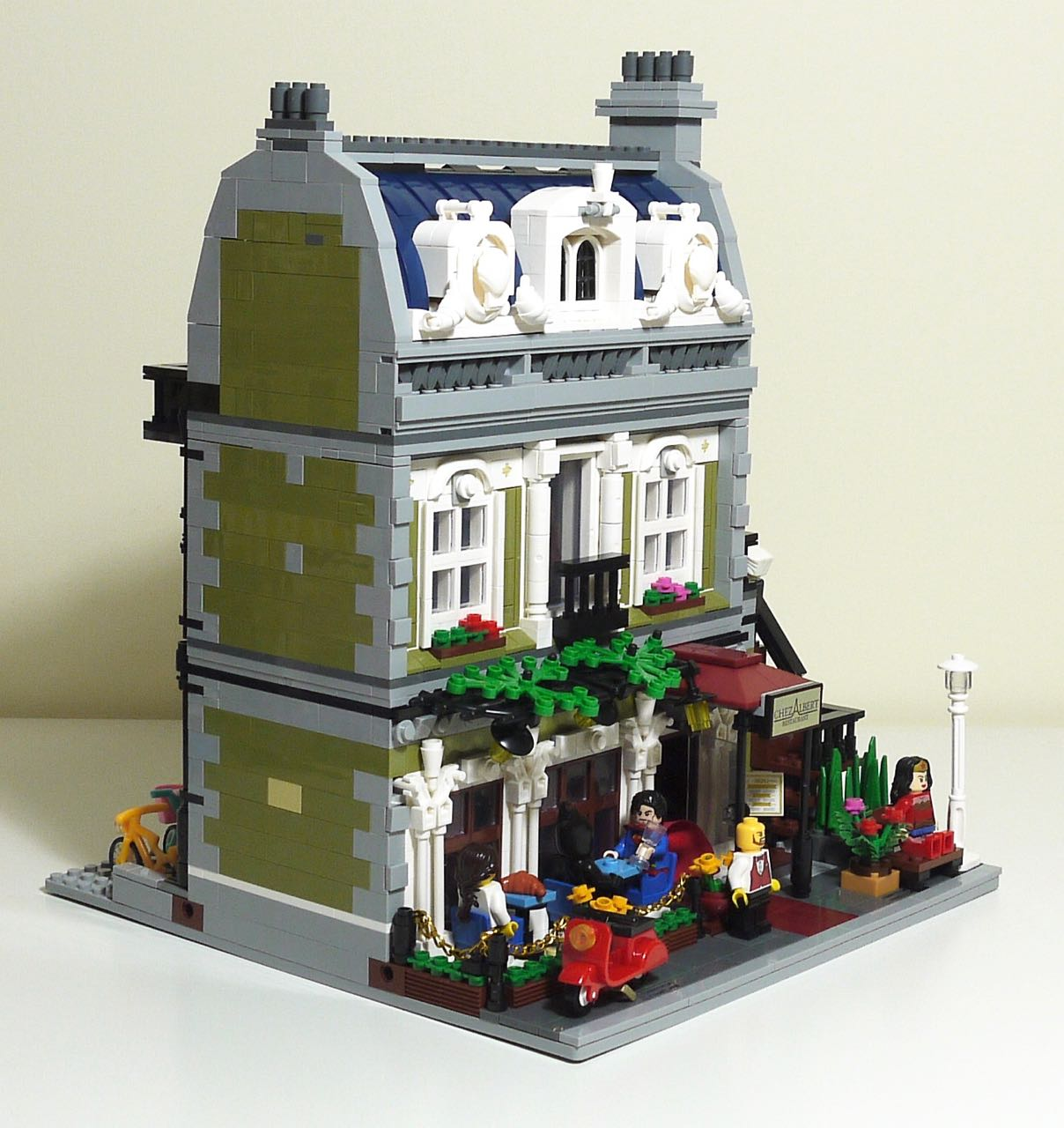 It S Not Lego Lepin 15010 Parisian Restaurant Modular