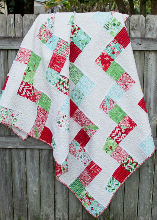 My No Bake Jolly Bar Quilt made by Caroline of Sew Can She, The Pattern Designed by Fat Quarter Shop