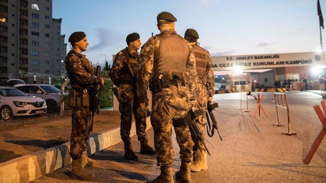 Τουρκία: Πάνω από 600 στελέχη των σωμάτων ασφαλείας τέθηκαν σε διαθεσιμότητα