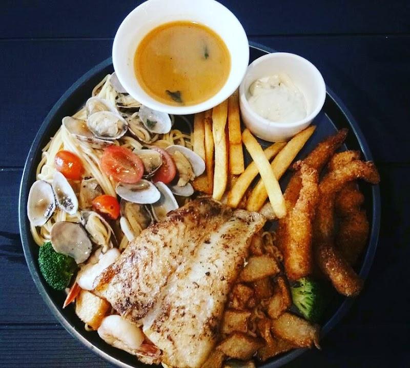 Western Food Cafe Di Cheras