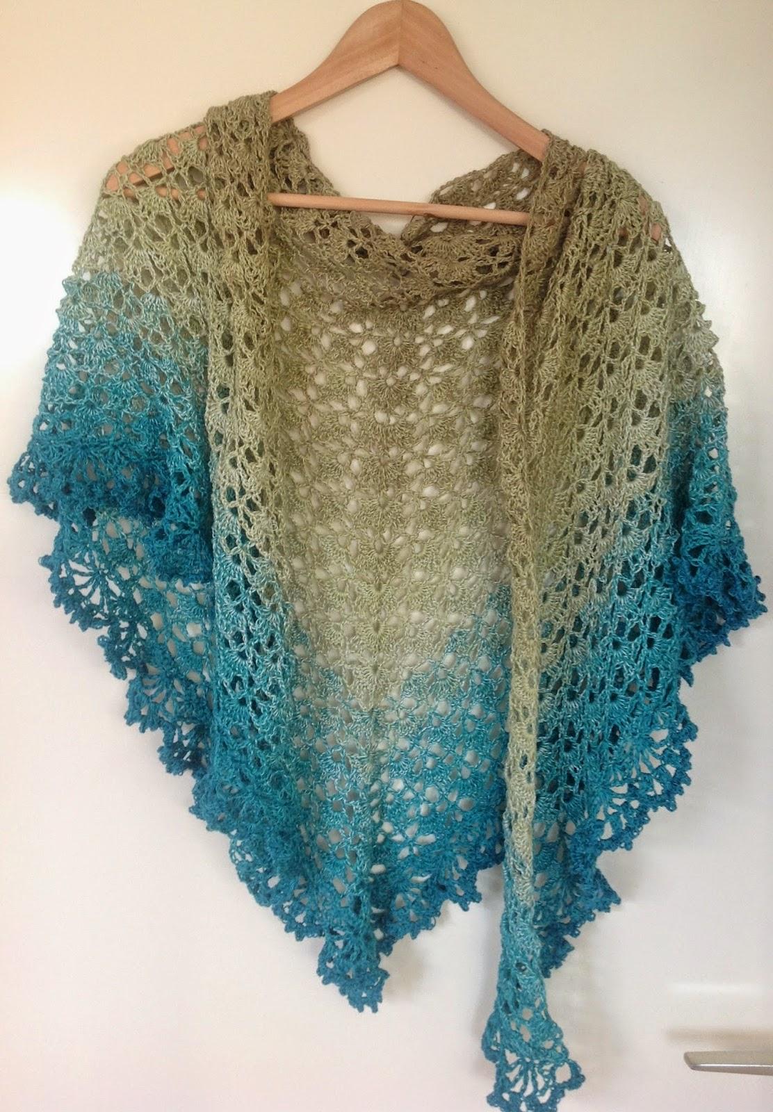 K van Kneuterig: crochet shawl