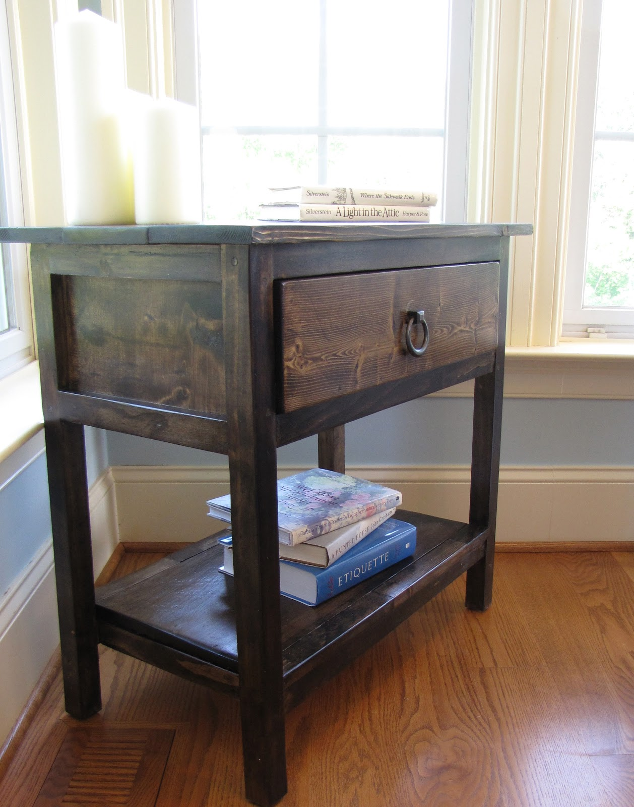 Lipstick And Sawdust: Farmhouse Side Table