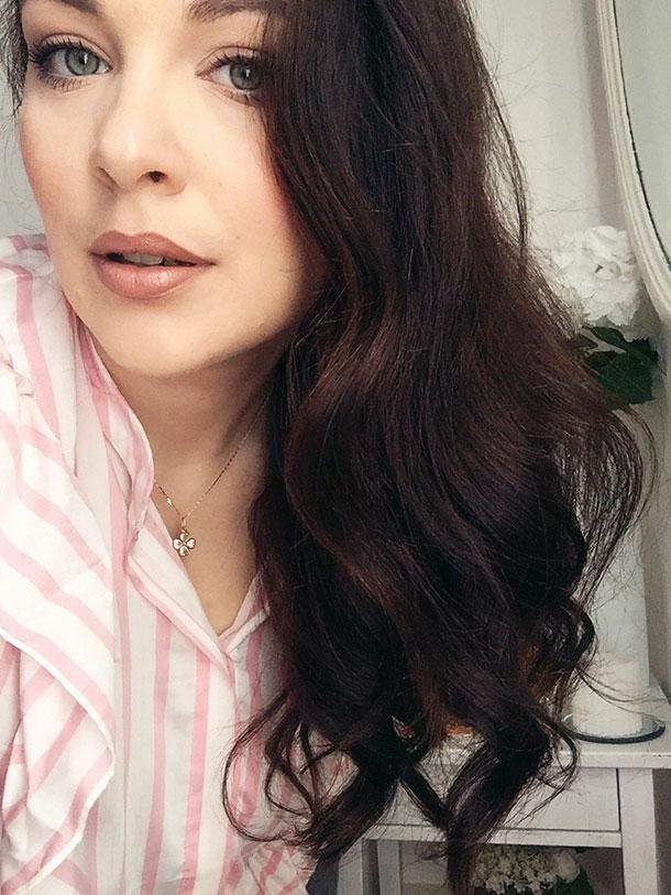 Iris Tinunin, Hair Care Routine