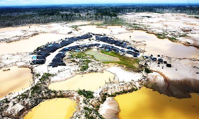 Minería en  La Pampa en la Amazonía
