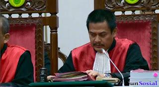 Ahok Ajukan Banding setelah Hakim Memvonisnya Penjara 2 Tahun