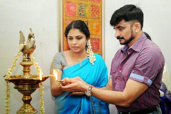 Asha Sarath Family Pics | Asha Sarath with Husband