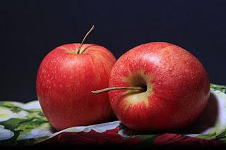Top 10 fruits flack for lightning skin